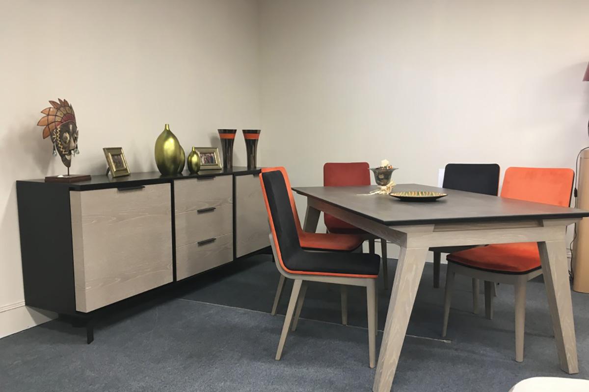 Décoration salle à manger - Chaises dépareillées