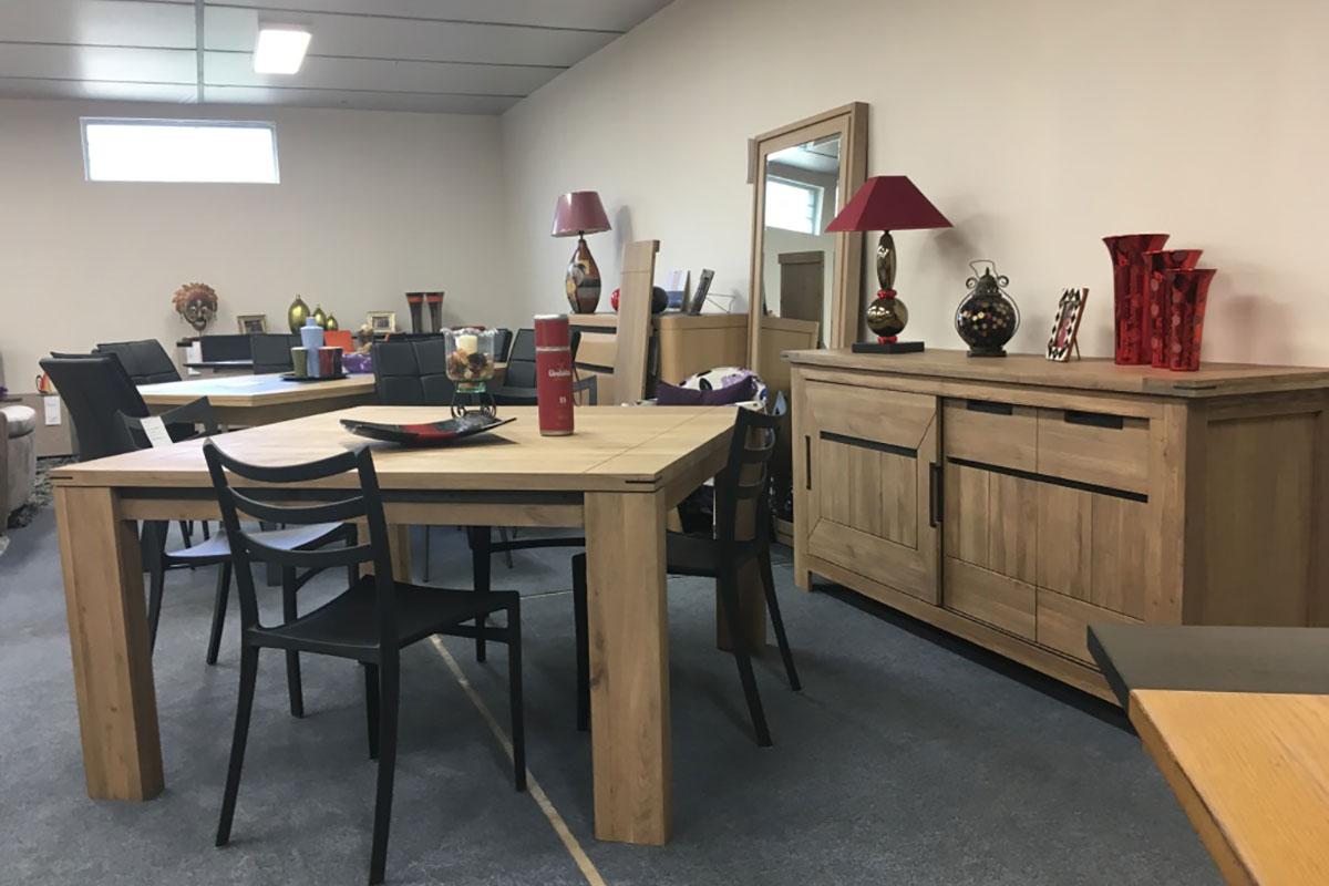 Décoration salle à manger - table carrée