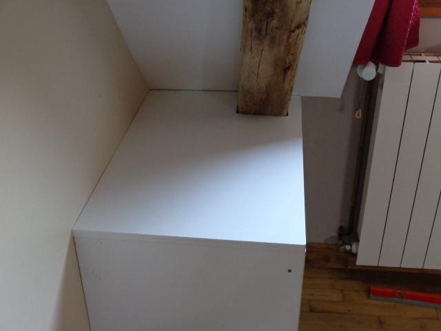 Installation du meuble laqué sous pente