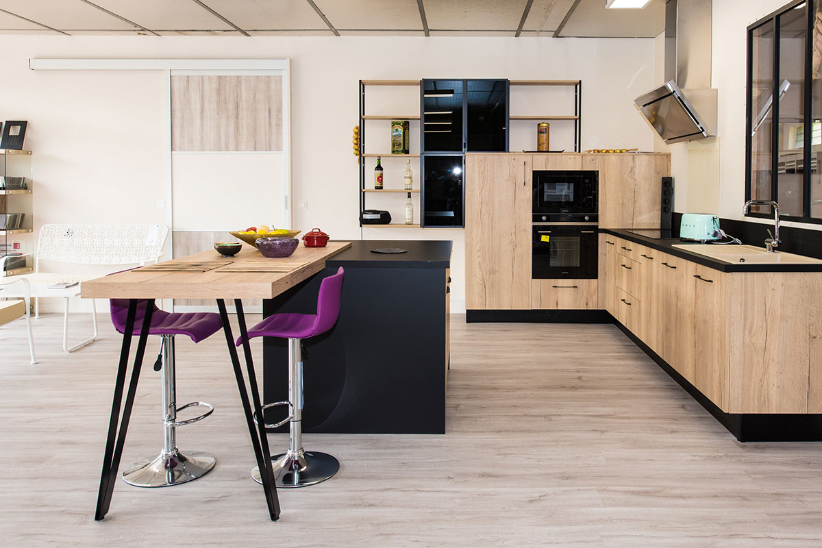 Tailor-made kitchen in Lot